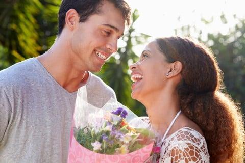結婚記念日 カップル 花束