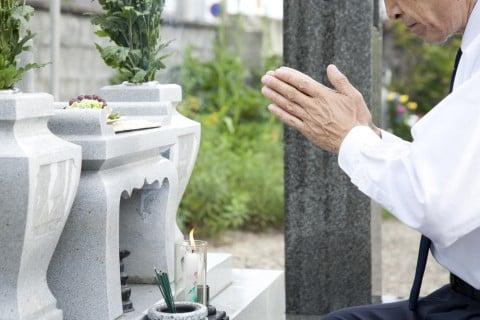 墓参り お盆 花