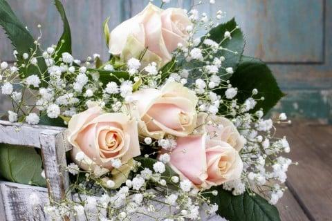 カスミソウ バラ 花束