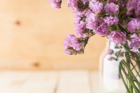 スターチス 花 紫 花瓶 切り花 テーブル