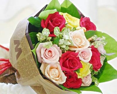 要出典 バラ 花束