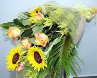 要出典 ひまわりの花束3