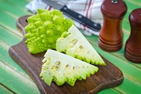 ロマネスコ 野菜 切り方 料理