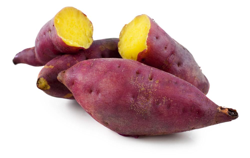 断面が黄色いサツマイモの画像