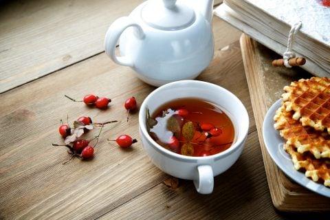 ローズヒップティー テーブル お茶